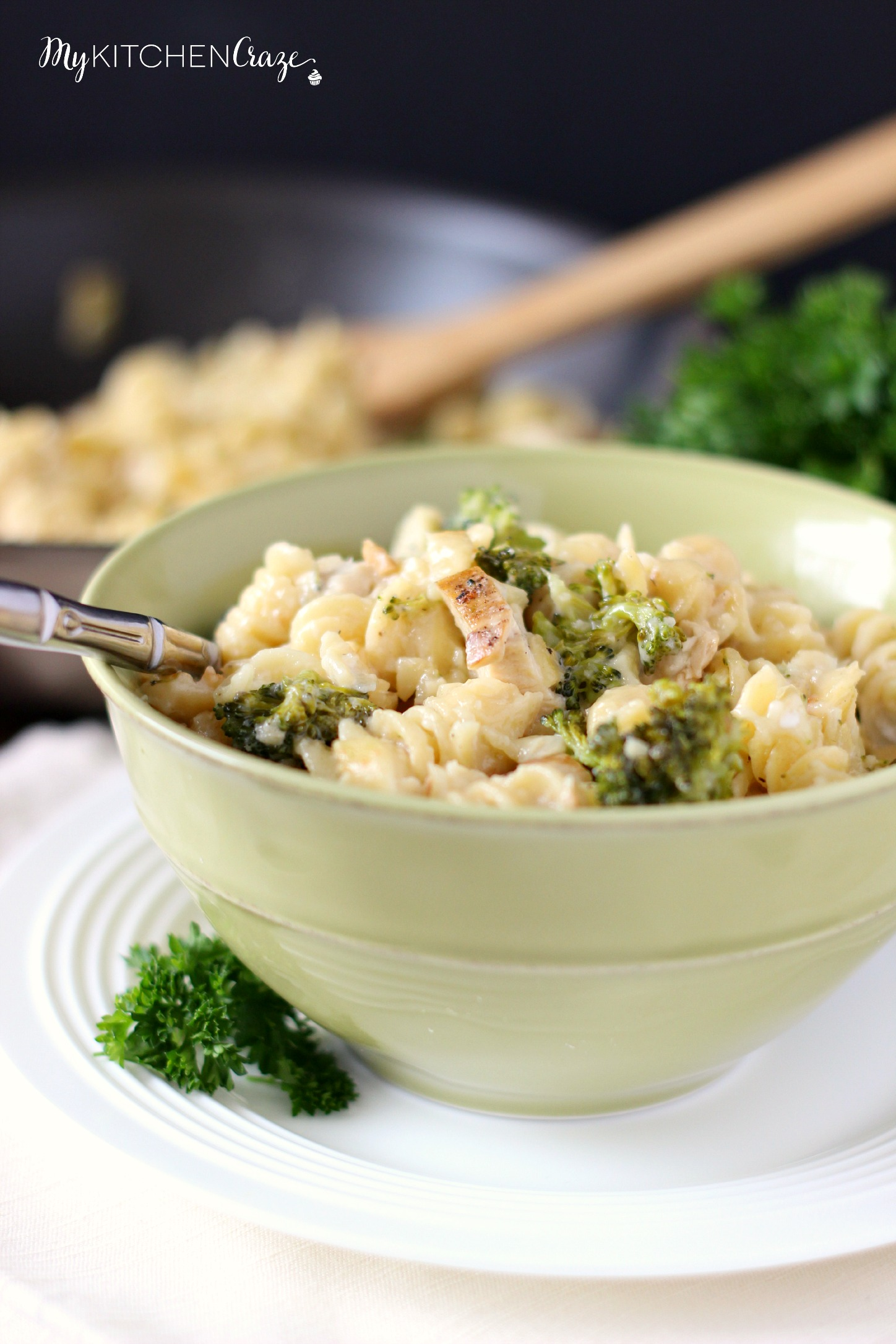 Skinny Chicken & Broccoli Alfredo ~ mykitchencraze.com ~ You can have your Alfredo pasta in a creamy healthier version!