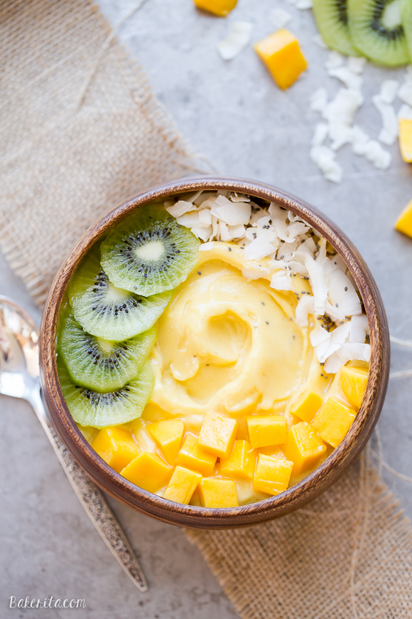 Mango-Pineapple-Smoothie-Bowl