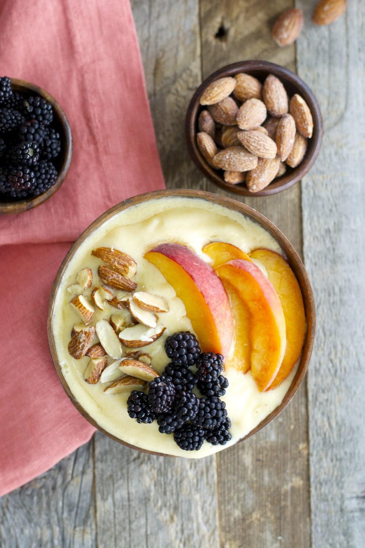 peaches-cream-smoothie-bowl