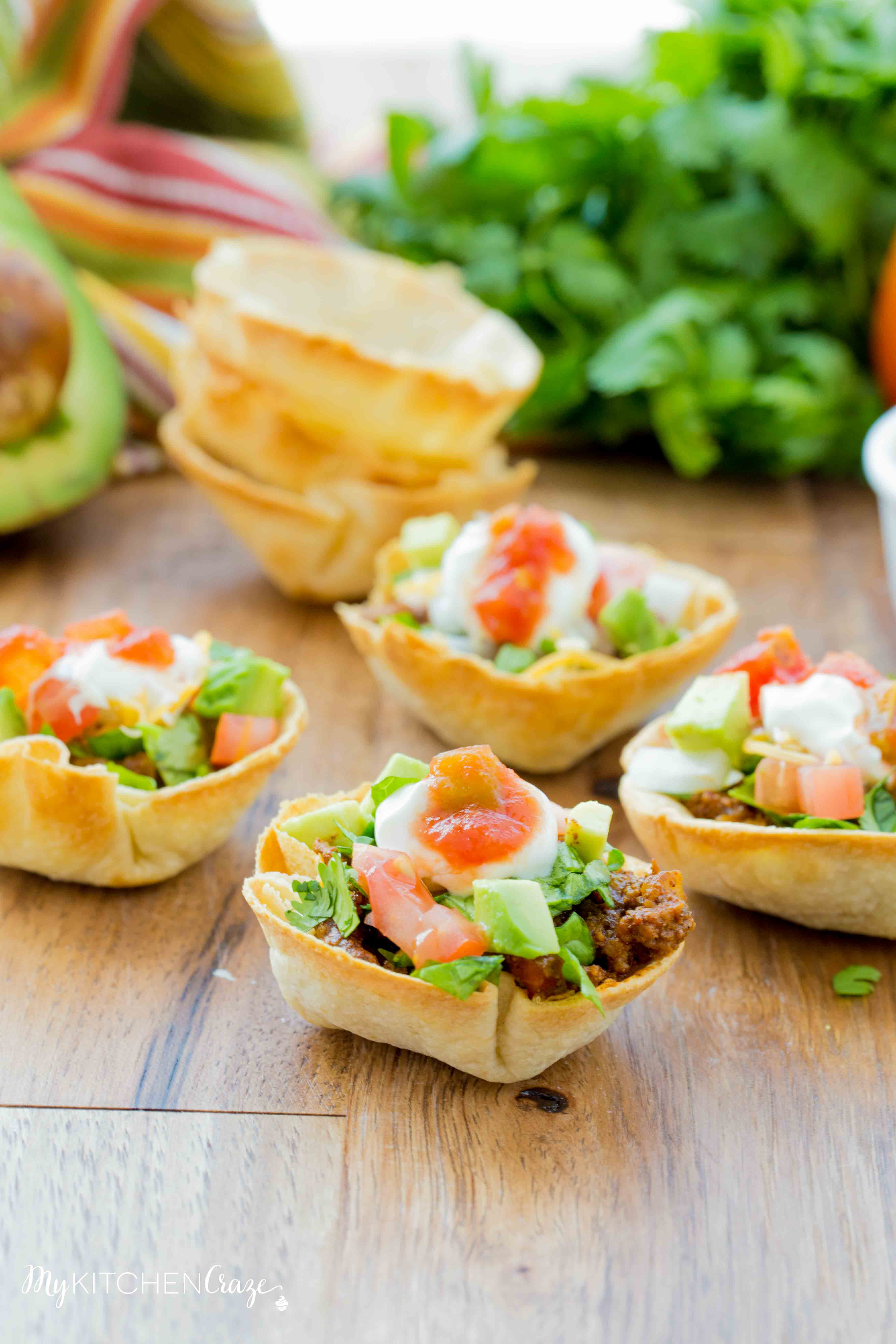 Taco Cups and Cheese Dip {Game Day Food} - My Kitchen Craze