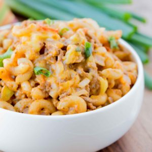 Cheeseburger Macaroni ~ Perfect 30 minute meal for those busy hectic nights you don't want to be in the kitchen!